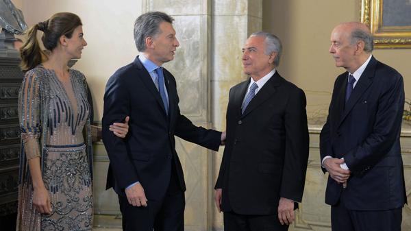 Mauricio Macri, sa femme, Michel Temer et Jose Serra en août 2016 à Brasilia