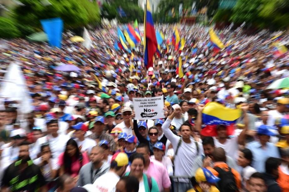 Manifestation de l'opposition, le 1er mai, à Caracas. Ronaldo Schemidt / AFP