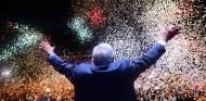 Amlo fête sa victoire, le 1er juillet 2018 à Mexico. | Pedro Pardo / AFP
